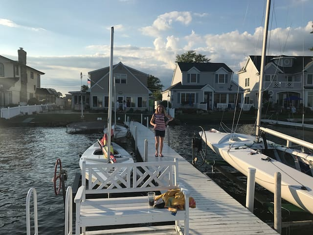 Family friendly home on Lake Wawasee