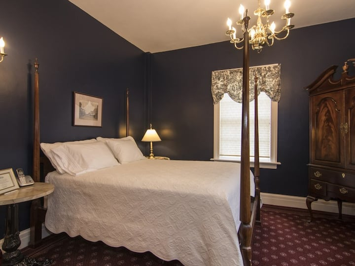 The Rochester Inn - Classic Guest Room