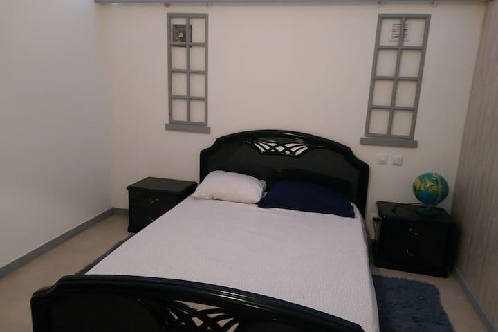 Belle chambre B meublée