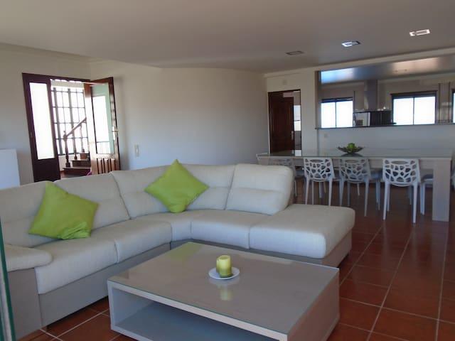 Moradia com piscina a 50 m da praia - Buarcos - Casa