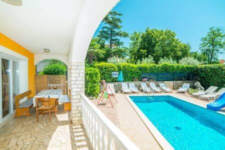 Three bedroom app Fides with private pool 3 - Nedešćina
