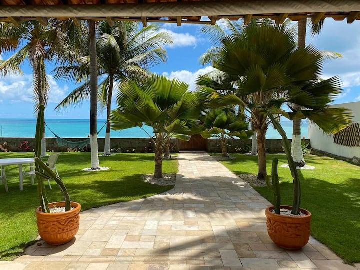 Villa di charme sulla spiaggia con piscina