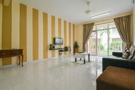 Step-In @ Spacious Clean Home Away From Home - Malacca