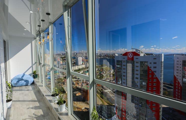 """Апартаменты """"Два моста"""" с шикарным видом на город"""