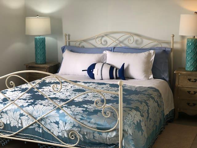 Bedroom n.1 seaview (badroom ensuite)
