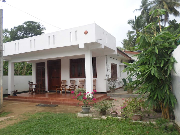 Punchi Holiday Resort / Kelaniya