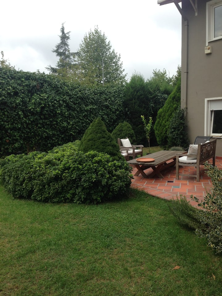 Private and Peaceful House with a Garden