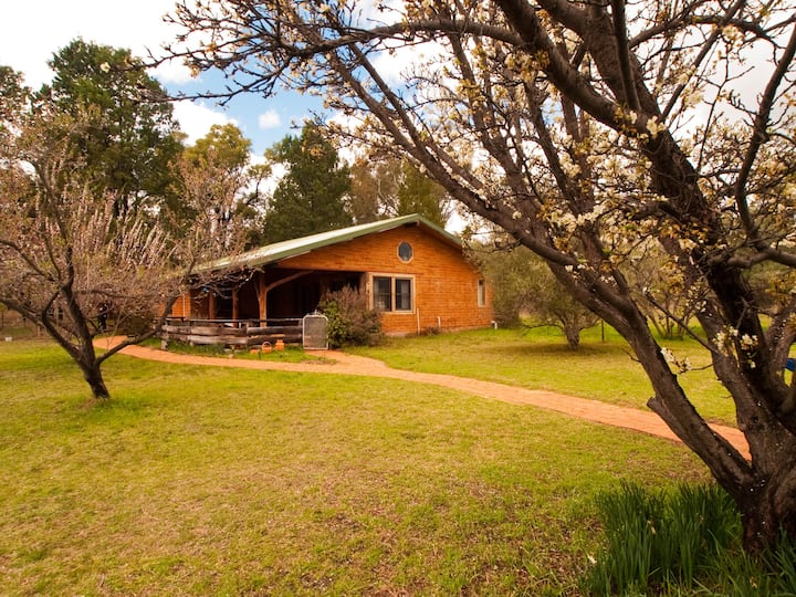 Barkala Farmstay - The Poet's Cottage