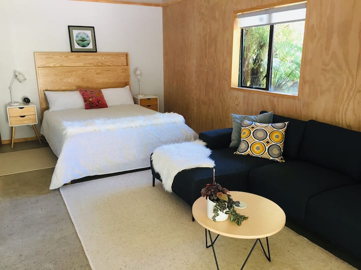 New to Airbnb : Okere Falls Hideaway