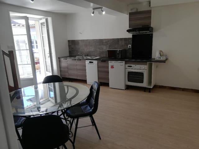 appartement T2 complet proche hyper centre et BD