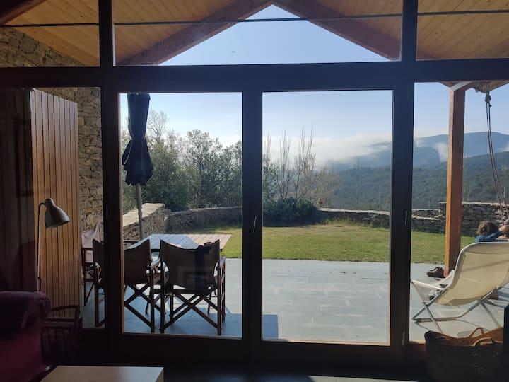 Casa con encanto y vistas en el corazón de  Guara