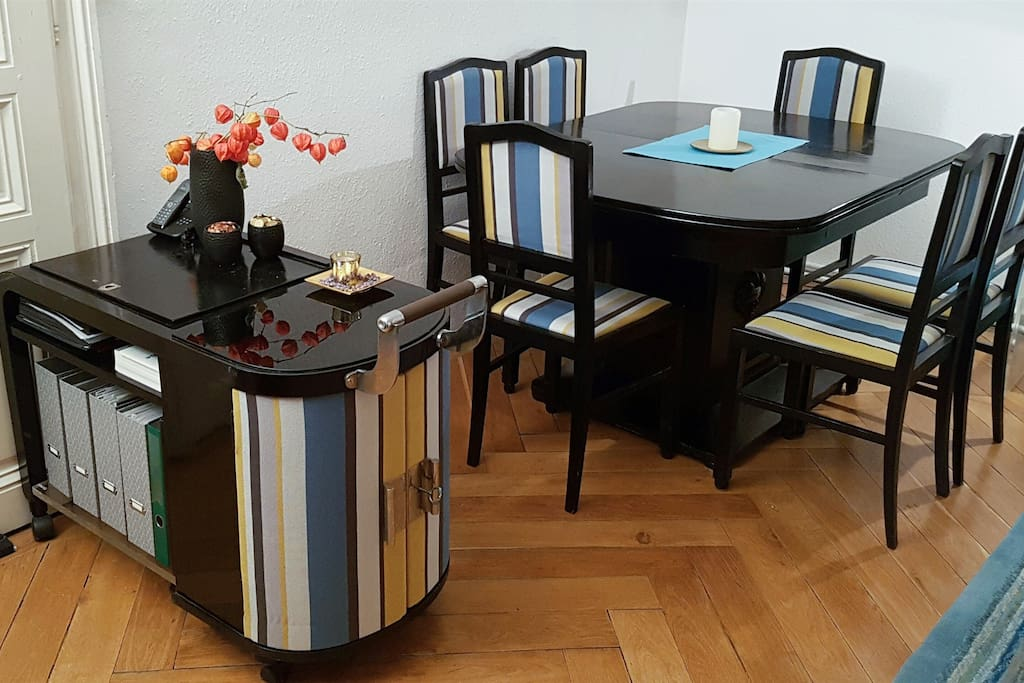 New and classic table set