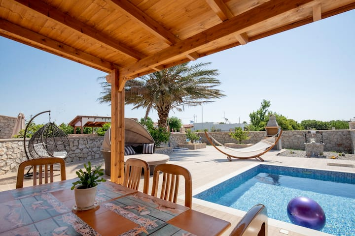Stergios summer dream house near to the beach