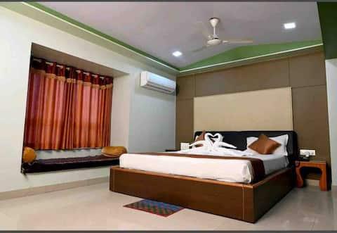 Charming 20 Bedroom Hotel- Hotel SukhSagar