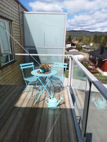 Nittedal - leilighet med balkong og utsikt