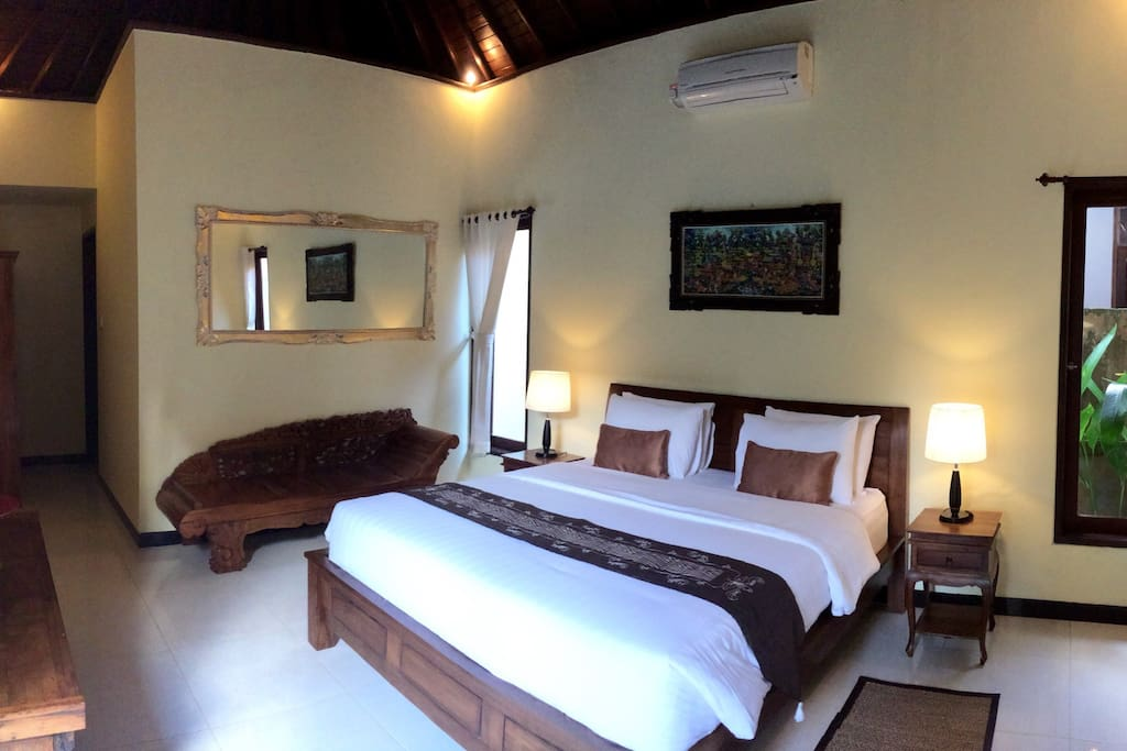 Comfort largedouble bedroom, with en suite bathroom, highwooden ceiling.