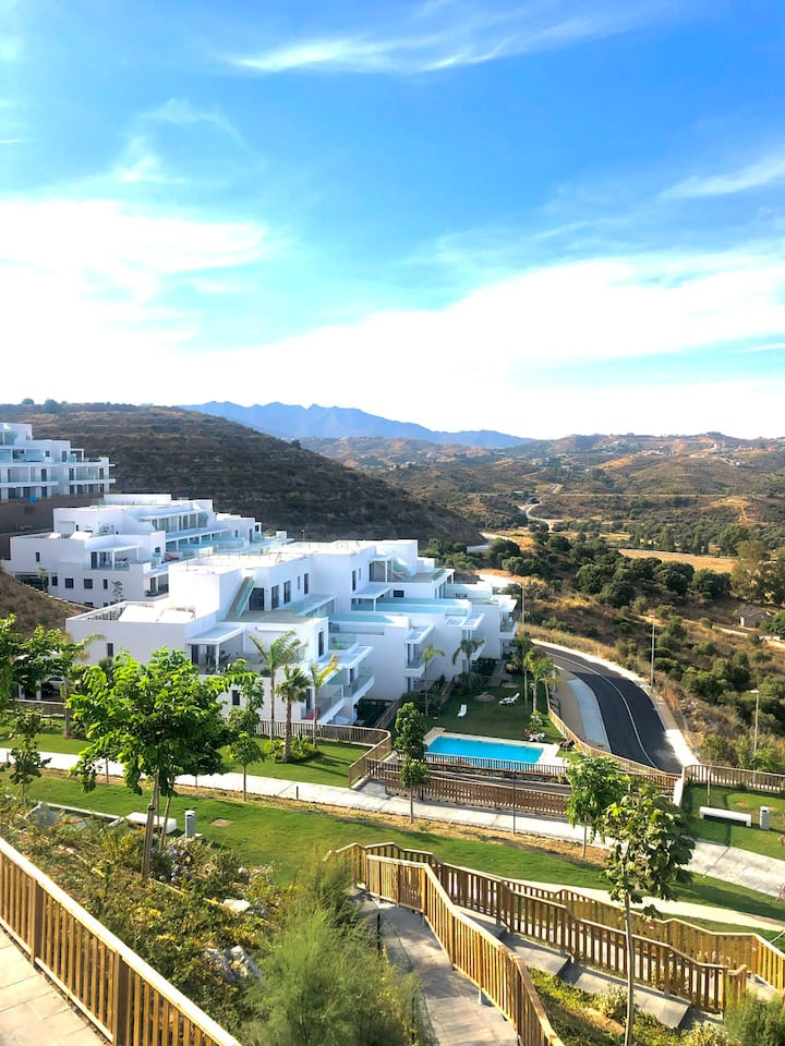 CASA BANDERAS LUX LIVING WITH POOL, PADEL AND GYM