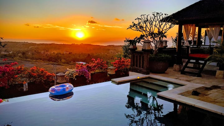 Villa Amanie - Great Sunset Views and Two Jacuzzis