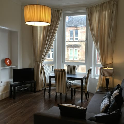 Trefoil Apartment in Glagow - Glasgow - Departamento