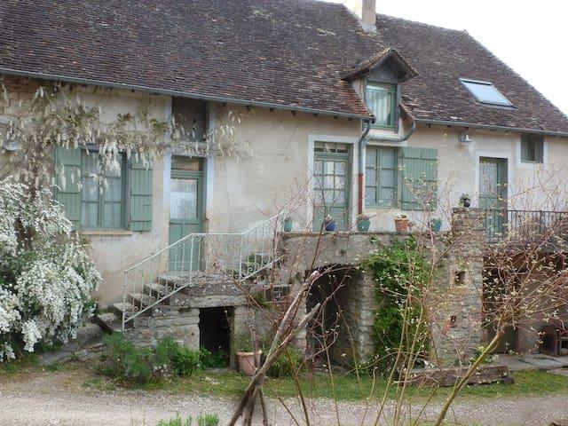 LES PETITS GALETS Take a green break in Burgundy !