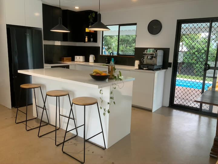 Newly Refurbished 3 BRM home in Maroochydore hub