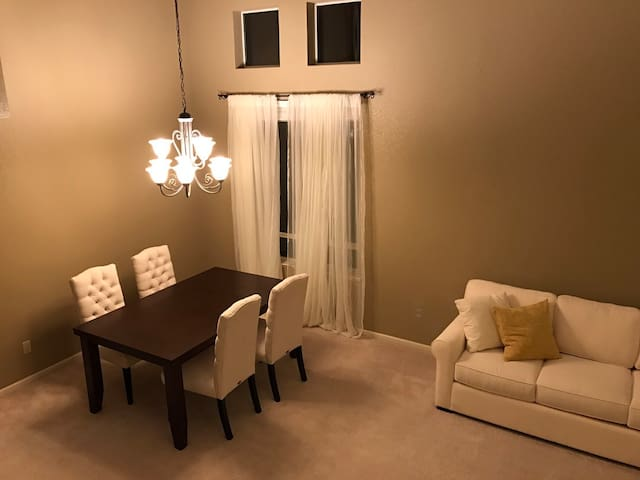 Two comfy private rooms - Elk Grove - Hus