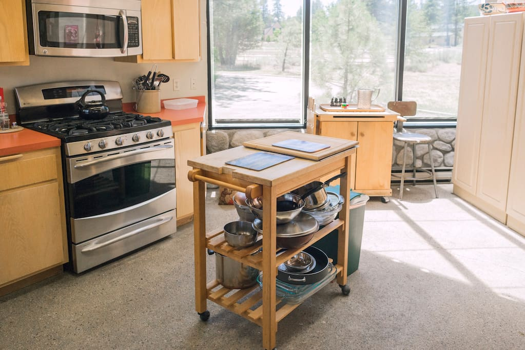 Fully equipped kitchen for the wandering chef