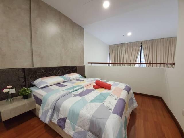 I-Soho I-City Duplex Homestay shah alam [2-4pax]