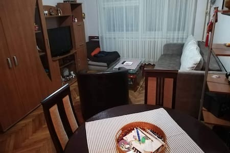 Private 31m2 apartment-famous central area.