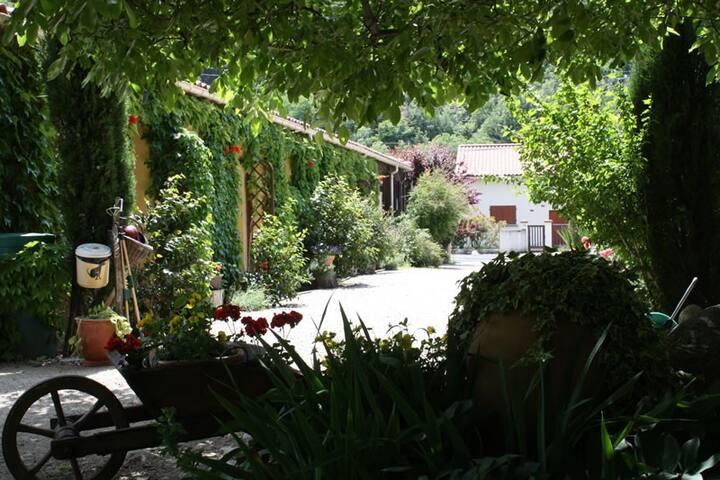 Beau Vallon Pyrénées Orientales Garden Studio