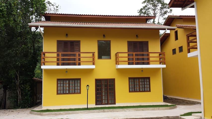 RESID. TREVO CAMBURI -ACONCHEGANTES APARTAMENTOS - São Sebastião - Apartamento
