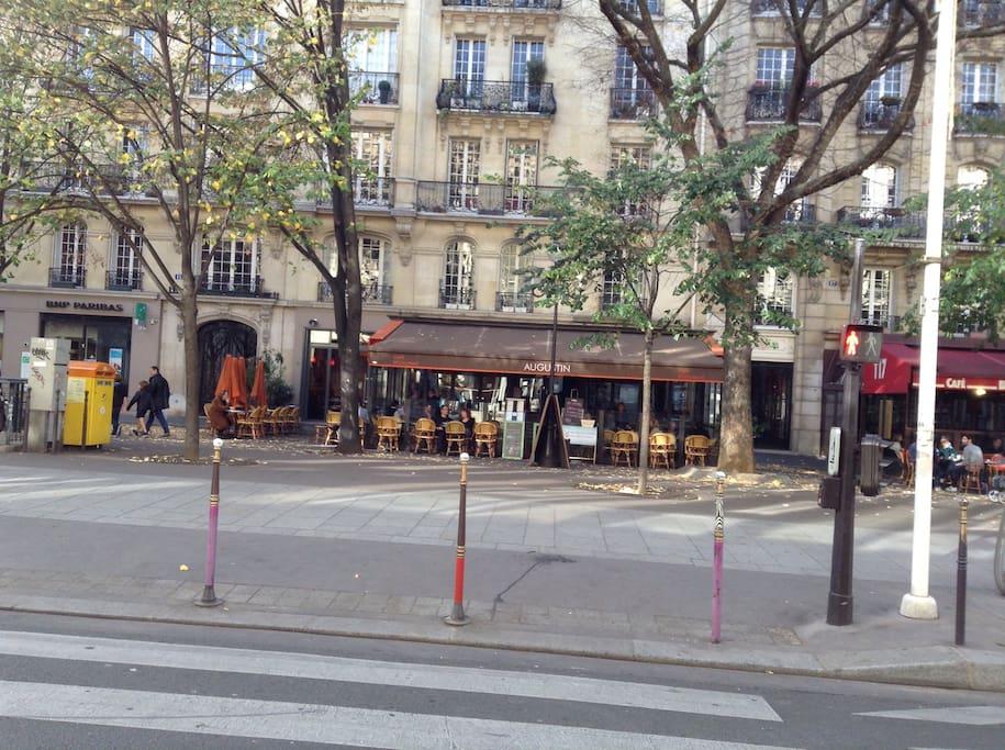 La piazzetta Marie du XVII a pochi metri da casa. Marie du XVII near by the apartment .