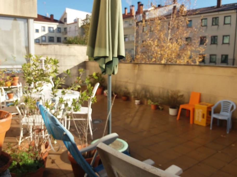 Habitaci n en piso tranquilo con terraza appartamenti in for Piso santiago de compostela