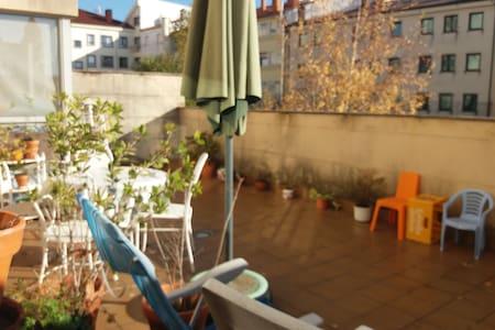 Habitación en Piso Tranquilo con Terraza