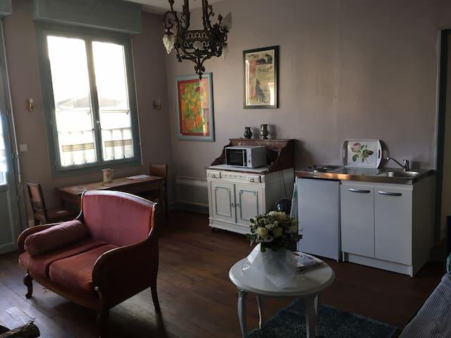 La villa thé au salon