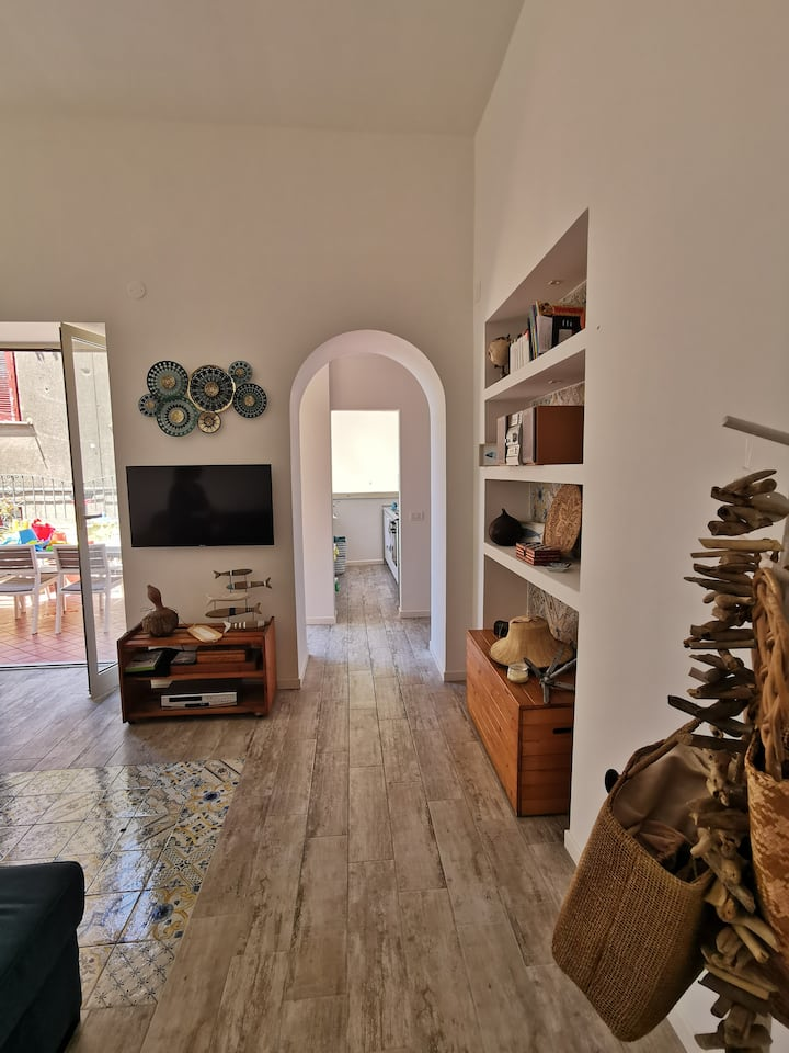 Alleria Holiday Home Sorrento- with terrace