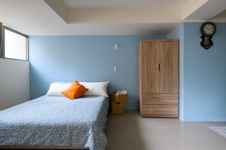 標準雙人床/Standard Double Bed