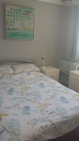 Double bedroom in detached house - Deeping Saint James - Casa