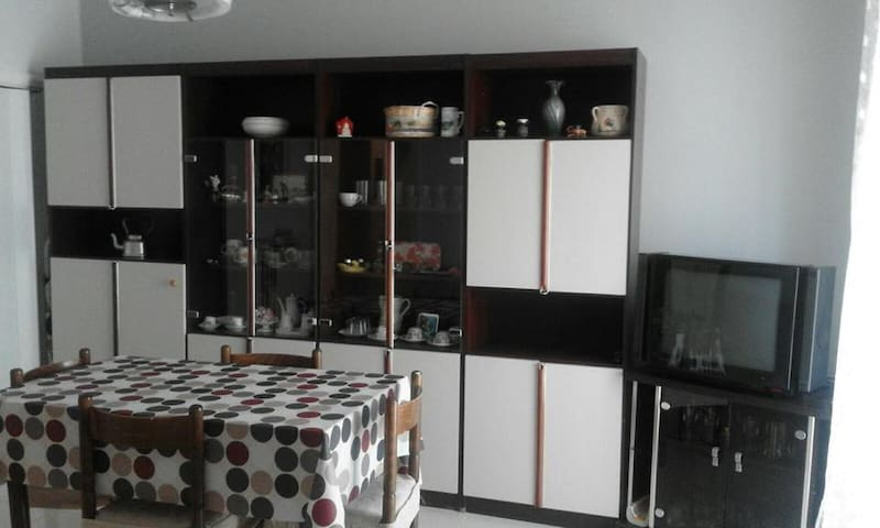 Accogliente appartamento vicino F.S - Foggia - Daire