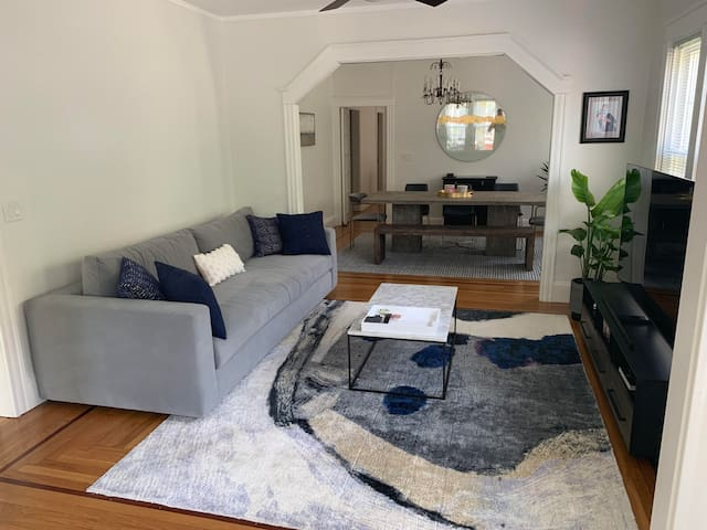 Spacious East Side Private Room Available