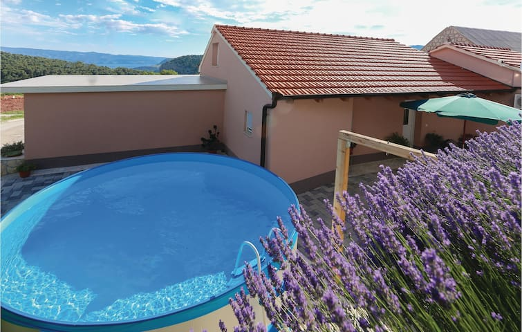 Holiday cottage with 2 bedrooms on 63m² in Gata