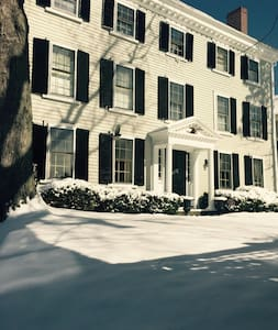 A beautifully restored Historic home in Marblehead - 馬布爾黑德(Marblehead)
