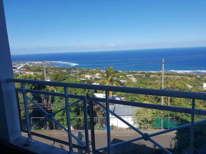 Appartement vue sur la mer et proche plage
