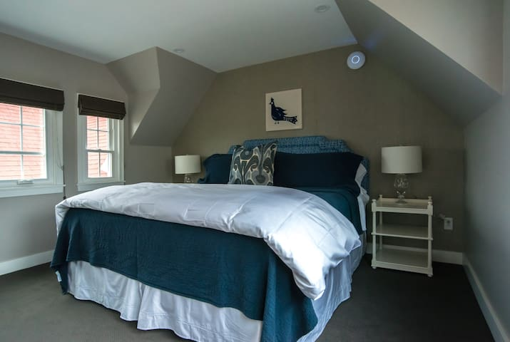 Guest Room Six - Boothbay Harbor - Bed & Breakfast
