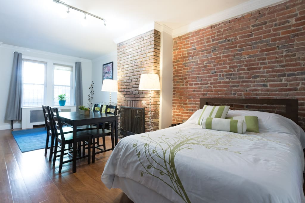 "Spacious studio guest suite with separate entrance along DC's ""Hip Strip"""