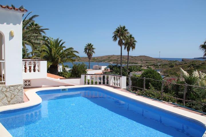 Villa à Port d'Addaia, fantastique vue,  mer à 50m - Puerto Luz - Huis