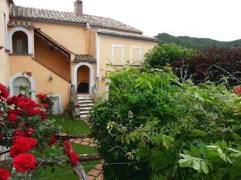 Villa d'epoca tra la Costa di Amalfi e il Cilento