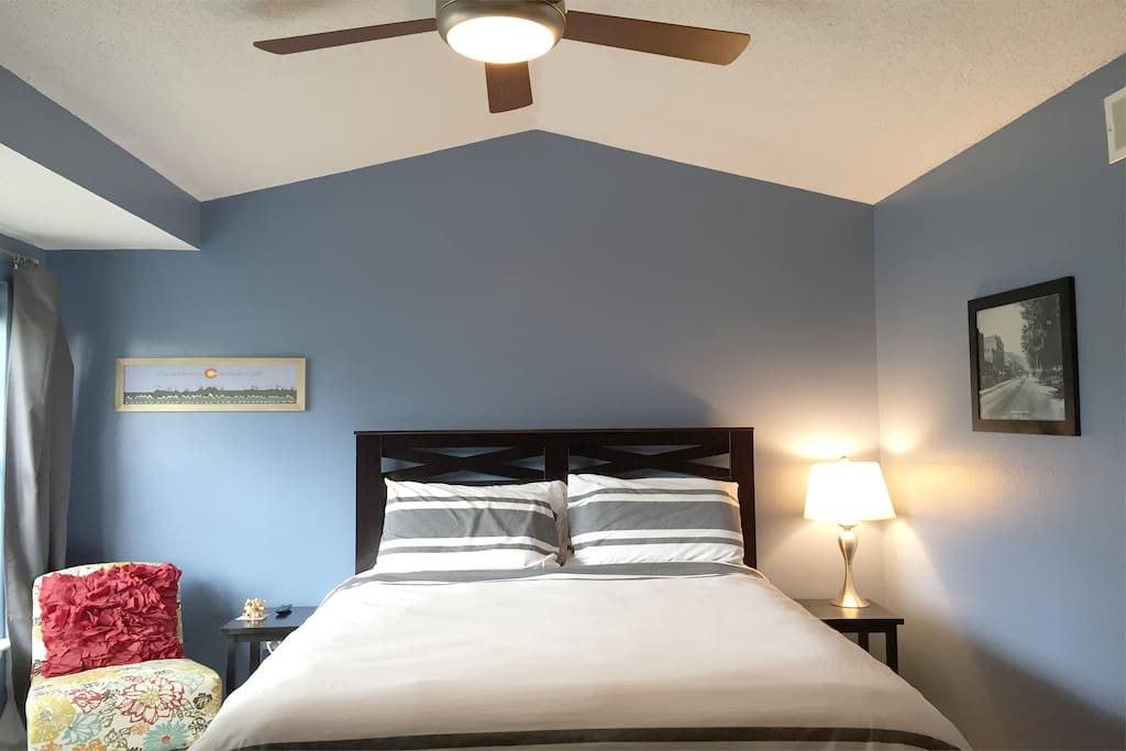 "Nice bright bedroom with 32"" wall mounted TV with Netflix, Hulu, and DVD player (with plenty of movies)."