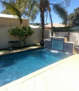 Backyard oasis - Maddington - Casa