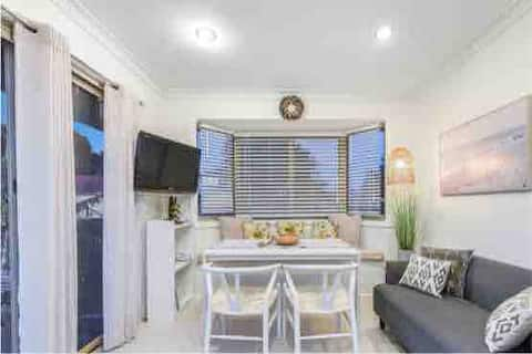 Conveniently located  Stunning Apartment